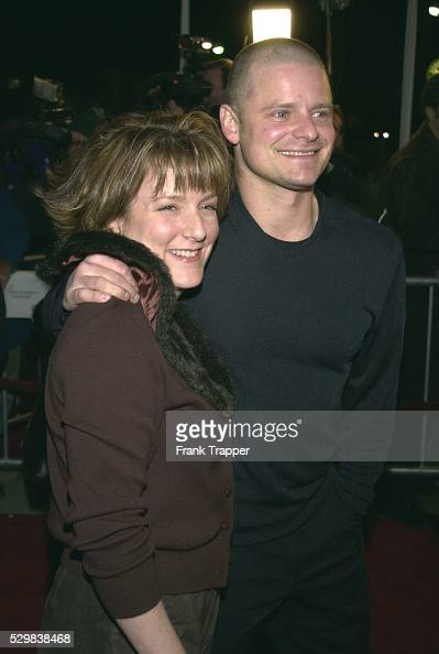 Arrival of actor Steve Zahn, film co-star, with his wife ...