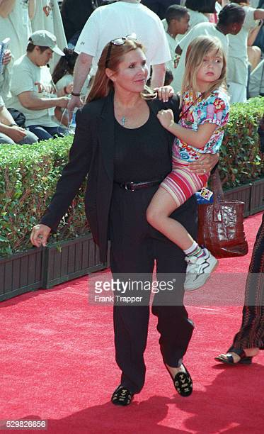 Arrival of Carrie Fisher with her daughter
