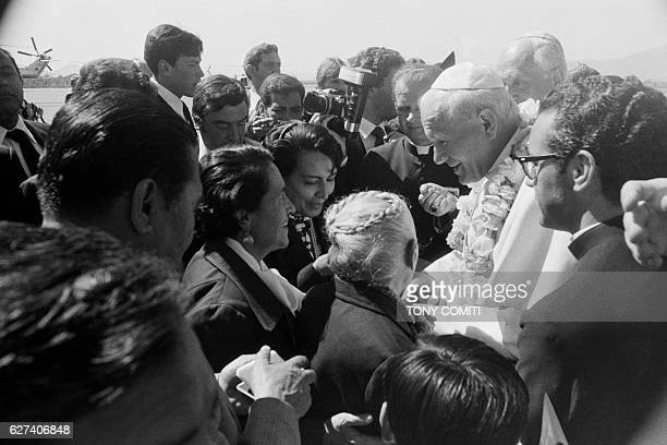 Arrival of Pope John Paul II at the airport of Puebla | Location Puebla Mexico