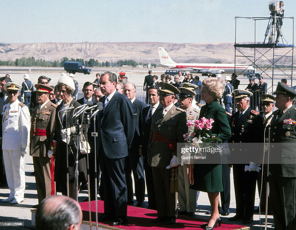 Arrival of US President <a gi-track='captionPersonalityLinkClicked' href=/galleries/search?phrase=Richard+Nixon&family=editorial&specificpeople=92456 ng-click='$event.stopPropagation()'>Richard Nixon</a> to airport of Barajas for an official visit to Spain (L to R) Carmen Polo. wife of <a gi-track='captionPersonalityLinkClicked' href=/galleries/search?phrase=Francisco+Franco&family=editorial&specificpeople=190209 ng-click='$event.stopPropagation()'>Francisco Franco</a>, <a gi-track='captionPersonalityLinkClicked' href=/galleries/search?phrase=Richard+Nixon&family=editorial&specificpeople=92456 ng-click='$event.stopPropagation()'>Richard Nixon</a>, <a gi-track='captionPersonalityLinkClicked' href=/galleries/search?phrase=Francisco+Franco&family=editorial&specificpeople=190209 ng-click='$event.stopPropagation()'>Francisco Franco</a> and Thelma Catherine Ryan 'Pat', wife of <a gi-track='captionPersonalityLinkClicked' href=/galleries/search?phrase=Richard+Nixon&family=editorial&specificpeople=92456 ng-click='$event.stopPropagation()'>Richard Nixon</a>, 1970, Madrid, Spain.