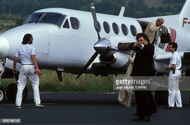 Arrivée de Bernard Tapie à Avignon pour sa campagne aux élections européennes en juin 1994 à Avignon France