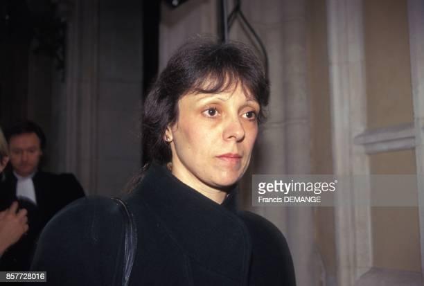 Arrivee de Christine Villemin au palais de justice lors du proces de son epoux JeanMarie Villemin pour le meurtre de Bernard Laroche le 1er decembre...