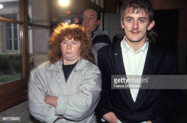 Arrivee de Muriel Bolle avec son compagnon au proces de JeanMarie Villemin pour le meurtre de Bernard Laroche le 24 novembre 1993 a Dijon France