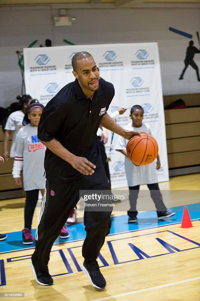 <a gi-track='captionPersonalityLinkClicked' href=/galleries/search?phrase=Arron+Afflalo&family=editorial&specificpeople=640861 ng-click='$event.stopPropagation()'>Arron Afflalo</a> #4 of the New York Knicks host an NBA Cares clinic for Good Morning America at the Madison Square Boys and Girls Club on December 12, 2015 in Bronx, New York.