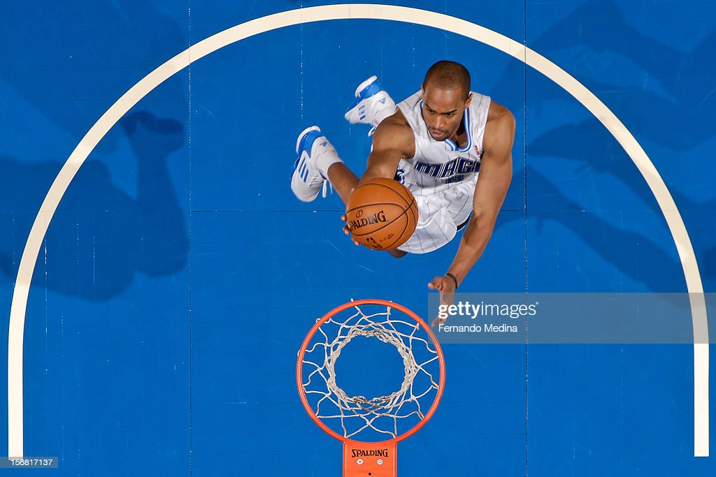 Arron Afflalo #4 of the Orlando Magic drives to the basket against the Detroit Pistons on November 21, 2012 at Amway Center in Orlando, Florida.