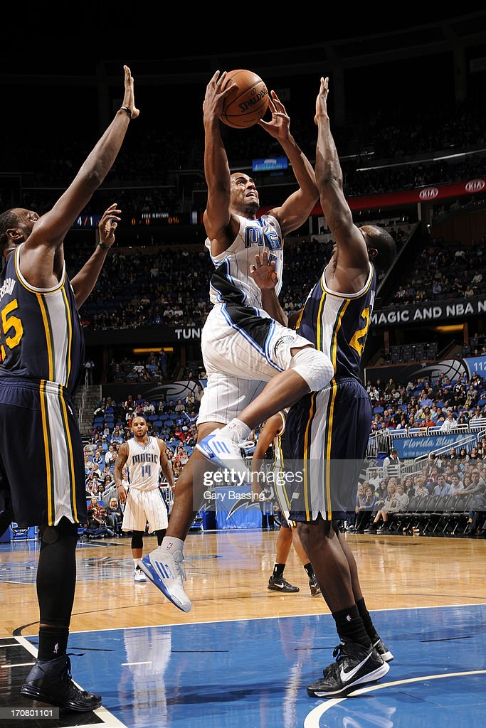 <a gi-track='captionPersonalityLinkClicked' href=/galleries/search?phrase=Arron+Afflalo&family=editorial&specificpeople=640861 ng-click='$event.stopPropagation()'>Arron Afflalo</a> #4 of the Orlando Magic drives to the basket against the Utah Jazz during the game on December 23, 2012 at Amway Center in Orlando, Florida.