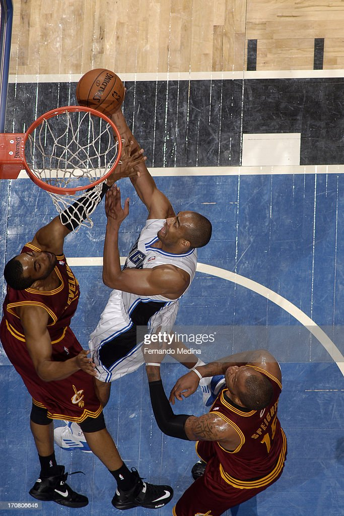 <a gi-track='captionPersonalityLinkClicked' href=/galleries/search?phrase=Arron+Afflalo&family=editorial&specificpeople=640861 ng-click='$event.stopPropagation()'>Arron Afflalo</a> #4 of the Orlando Magic drives to the basket against the Cleveland Cavaliers on February 23, 2013 at Amway Center in Orlando, Florida.