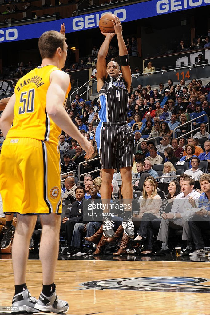 <a gi-track='captionPersonalityLinkClicked' href=/galleries/search?phrase=Arron+Afflalo&family=editorial&specificpeople=640861 ng-click='$event.stopPropagation()'>Arron Afflalo</a> #4 of the Orlando Magic shoots during a game against the Indiana Pacers on March 8, 2013 at Amway Center in Orlando, Florida.