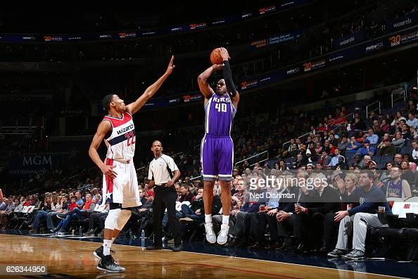 Arron Afflalo of the Sacramento Kings shoots the ball against the Washington Wizards on November 28 2016 at Verizon Center in Washington DC NOTE TO...