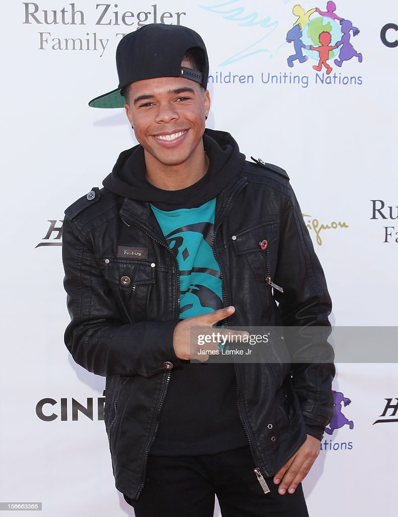 Arron Fresh attends the Children Uniting Nations' Day of The Child Fundraiser held at the Santa Monica Pier on November 18, 2012 in Santa Monica, California.