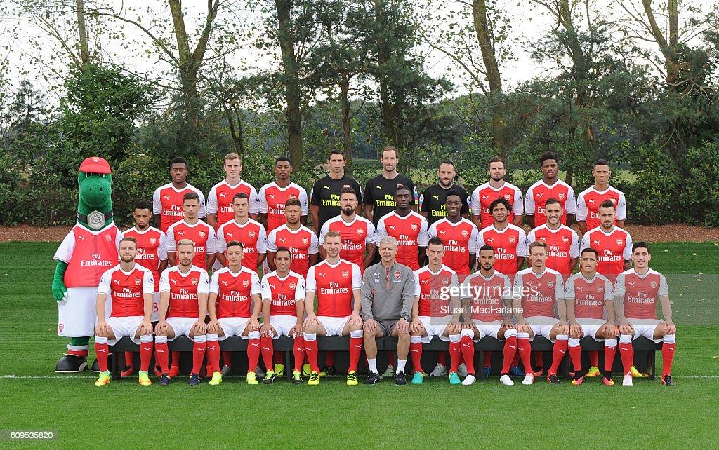 Hilo del Arsenal Arsenal-1st-team-squad-201617-back-row-alex-iwobi-rob-holding-jeff-picture-id609535820