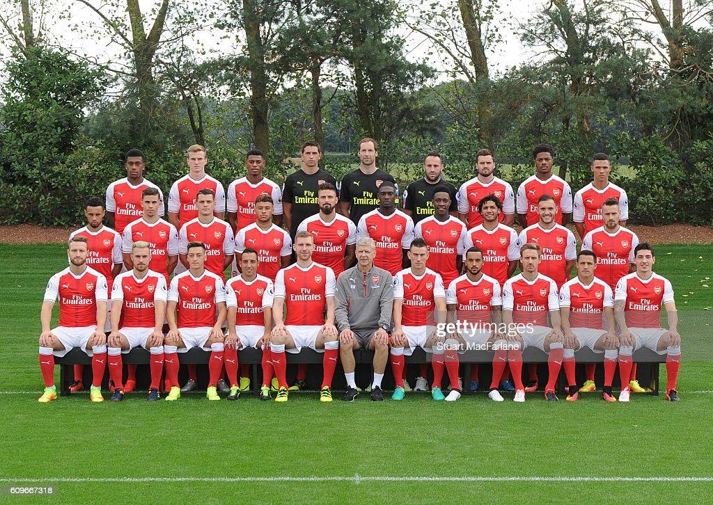 Hilo del Arsenal Arsenal-1st-team-squad-201617-back-row-alex-iwobi-rob-holding-jeff-picture-id609667318