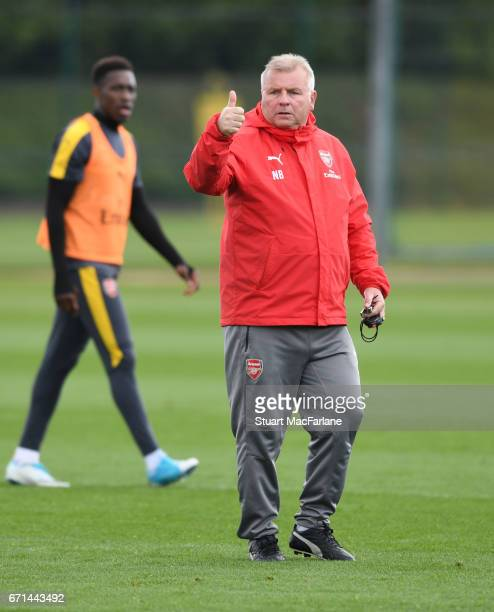 Arsenal 1st tram coach Neil Banfield during a training session at London Colney on April 22 2017 in St Albans England
