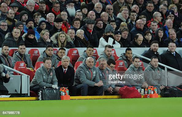 Wenger on Arsenal bench during defeat at Anfield
