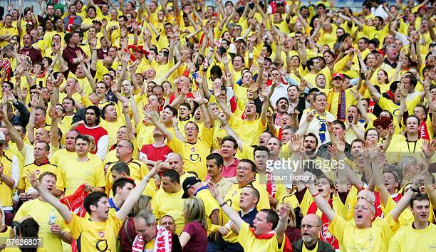 Arsenal fans sing in support of their team during the UEFA Champions League Cup Final between Arsenal and Barcelona at the Stade de France on May 17...