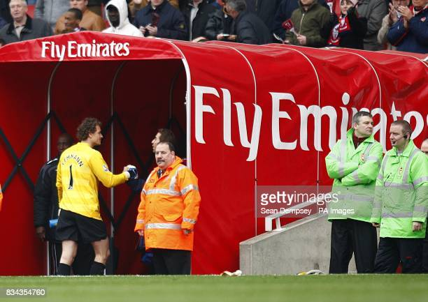 Arsenal goalkeeper Jens Lehmann leaves the field