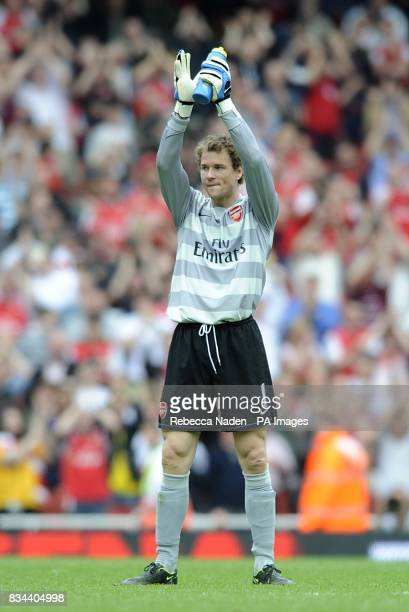 Arsenal goalkeeper Jens Lehmann says goodbye to the Arsenal fans after his last match at the Emirates Stadium