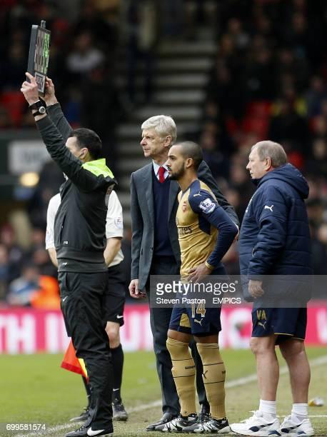 Arsenal manager Arsene Wenger and Arsenal's Theo Walcott