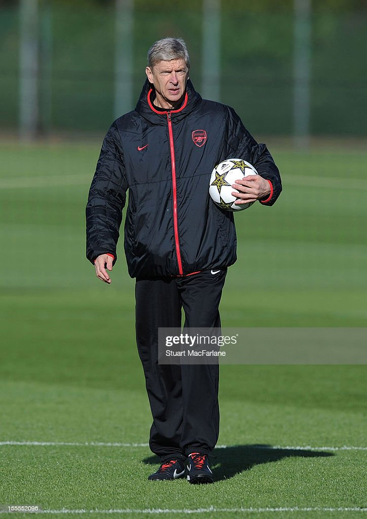 Arsenal manager <a gi-track='captionPersonalityLinkClicked' href=/galleries/search?phrase=Arsene+Wenger&family=editorial&specificpeople=171184 ng-click='$event.stopPropagation()'>Arsene Wenger</a> during a training session at London Colney on November 5, 2012 in St Albans, England.