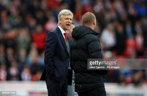 Arsenal manager Arsene Wenger on the touchline during the Premier League match at the bet365 Stadium Stoke