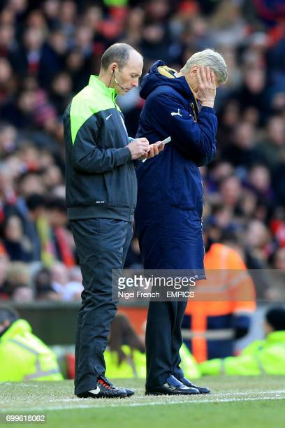 Arsenal manager Arsene Wenger reacts at the touchline