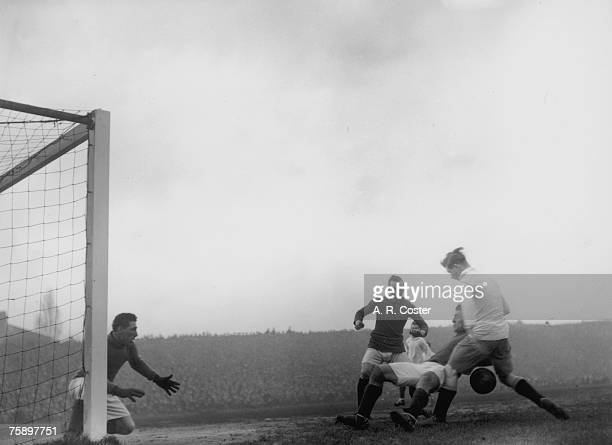 Arsenal play their north London rivals Tottenham Hotspur at Highbury London 20th January 1921