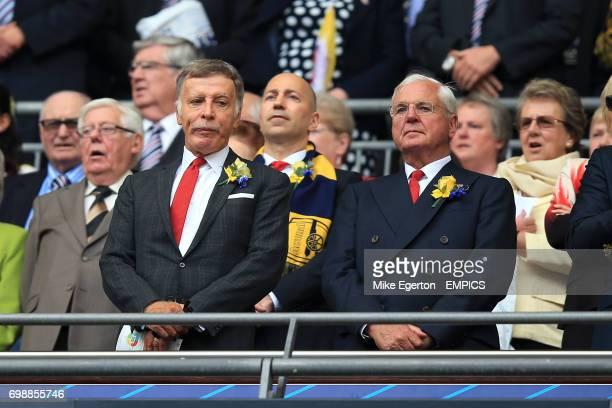 Arsenal shareholder Stan Kroenke with Chairman Chips Keswick and Ivan Gazidis