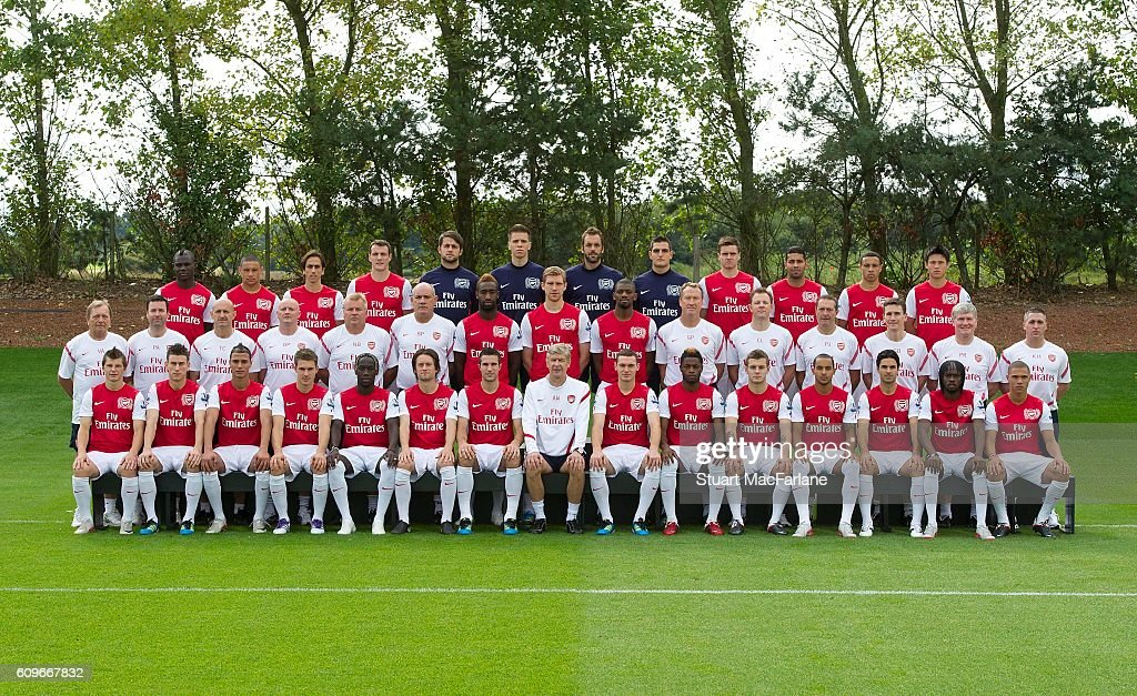 Hilo del Arsenal Arsenal-squad-201112-back-row-emmanuel-frimpong-alex-yossi-benayoun-picture-id609667832