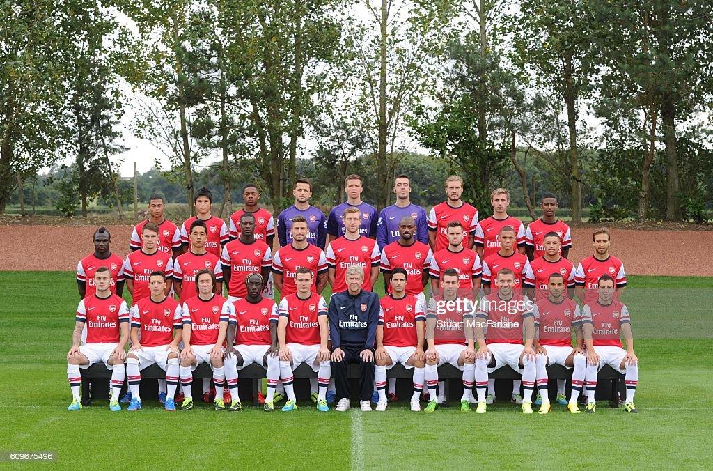 Hilo del Arsenal Arsenal-squad-201314-back-row-serge-gnabry-ryo-miyaichi-chuba-akpom-picture-id609675496