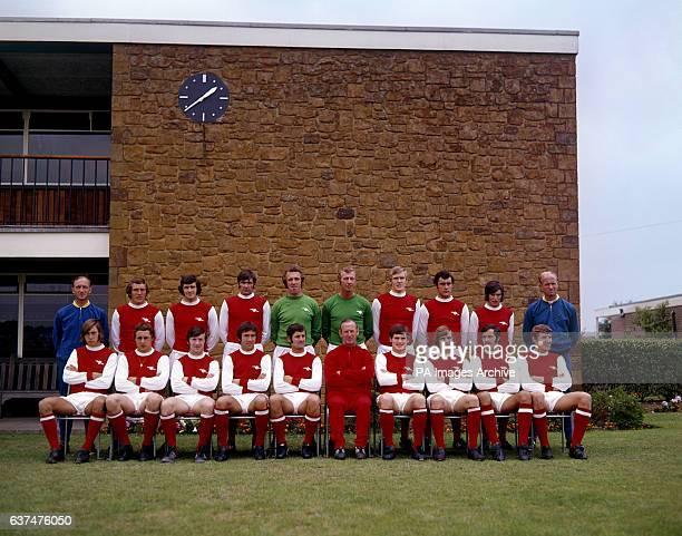 Arsenal team group 197071 Wright Bob McNab Peter Storey Peter Simpson Geoff Barnett Bob Wilson John Roberts Ray Kennedy Peter Marinello and Don Howe...