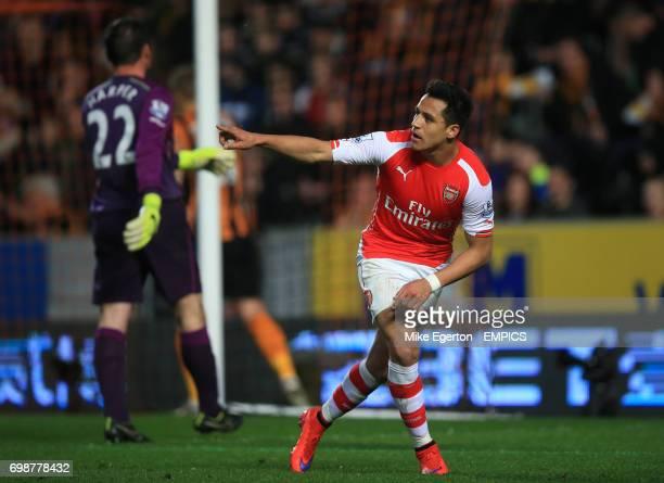 Arsenal's Alexis Sanchez celebrates scoring his side's third goal of the game