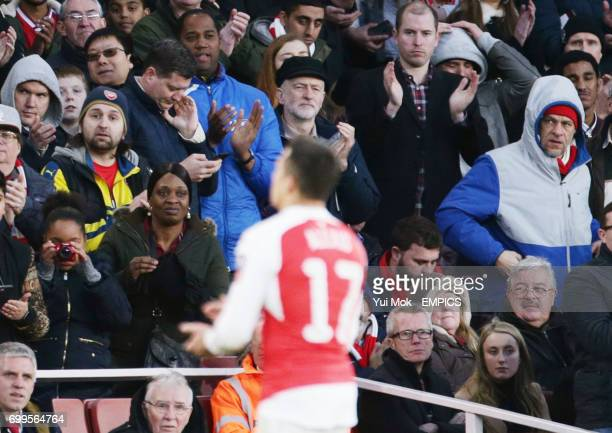 Arsenal's Alexis Sanchez is applauded off by Labour leader Jeremy Corbyn in the stands