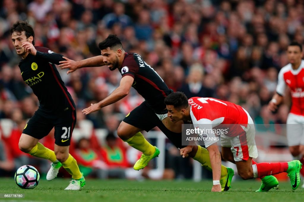 FBL-ENG-PR-ARSENAL-MAN CITY : News Photo