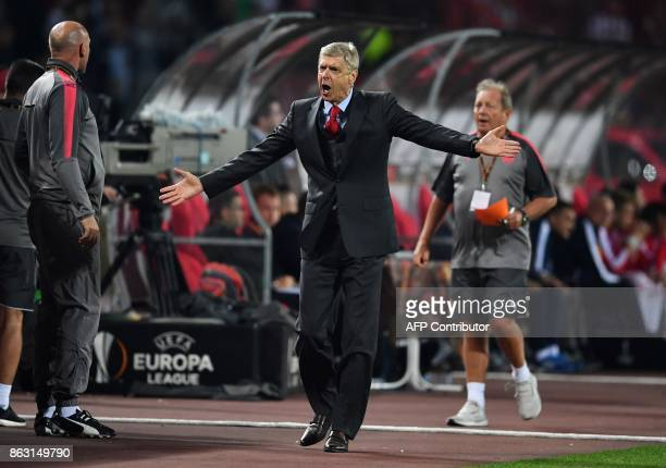 Arsenal's coach Arsene Wenger reacts during the UEFA Europa League football between Belgrade and Arsenal on October 19 2017 in Belgrade / AFP PHOTO /...