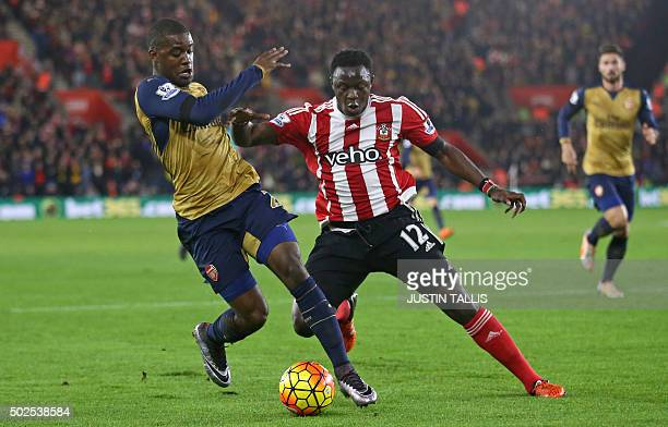 Arsenal's Costa Rican striker Joel Campbell vies with Southampton's Kenyan midfielder Victor Wanyama during the English Premier League football match...