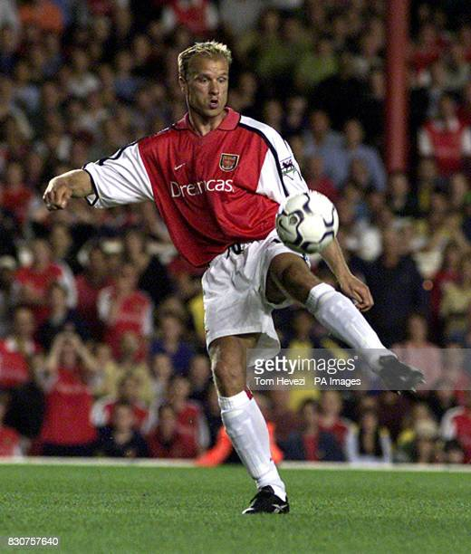 Arsenal's Dennis Bergkamp in action during the FABarclaycard Premiership match between Leeds United at Highbury Photo Tom HeveziTHIS PICTURE CAN ONLY...
