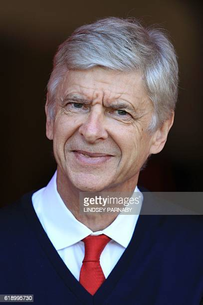 Arsenal's French manager Arsene Wenger waits for kick off of the English Premier League football match between Sunderland and Arsenal at the Stadium...