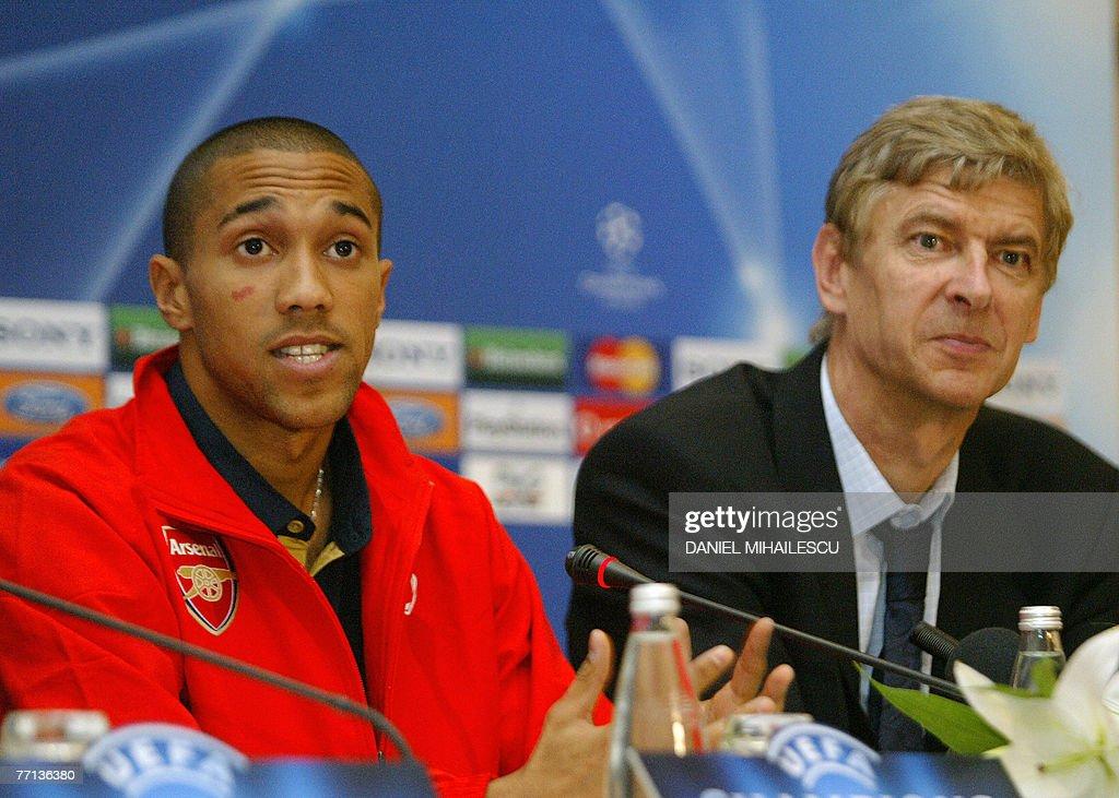 Arsenal's Gael Clichy (L) and coach Arse : News Photo