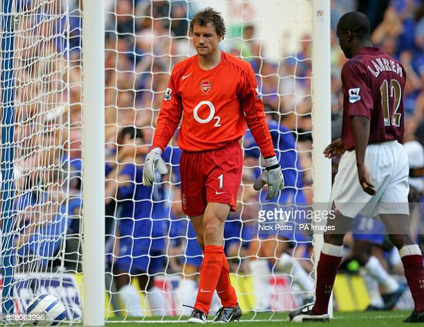 Arsenal's Jens Lehmann and Bisan Lauren are dejected after Chelsea's goal