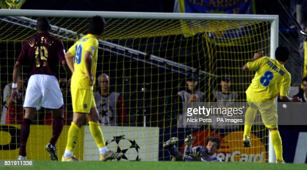 Arsenal's Jens Lehmann saves the penalty from Villarreal's Juan Riquelme during the Champions League semifinal second leg match at Estadio El...