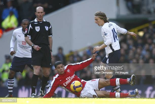 Arsenal's Neves Denilson and Tottenham Hotspur's Luka Modric in action
