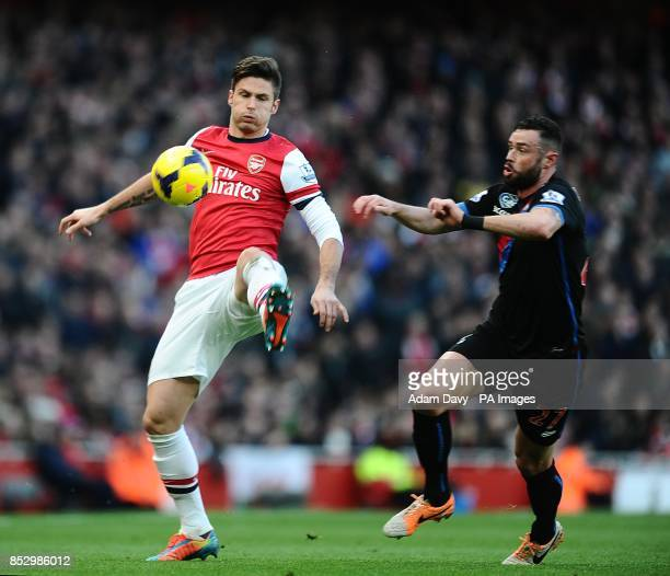 Arsenal's Olivier Giroud controls the ball away from Crystal Palace's Damien Delaney