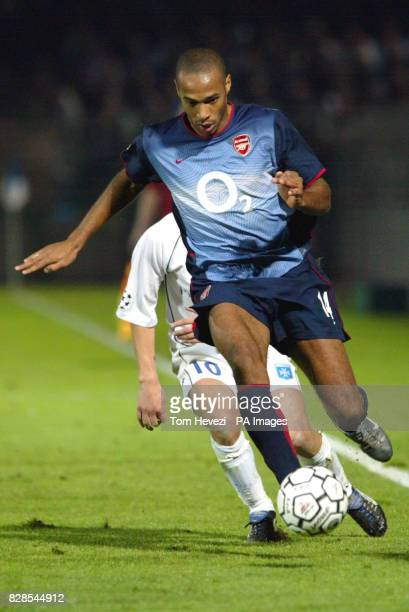 Arsenal's Thierry Henry and Auxerre's Teemu Tainio during tonight's Champions League 1st round match at the Abbe Deschamps Stadium AuxerreTHIS...