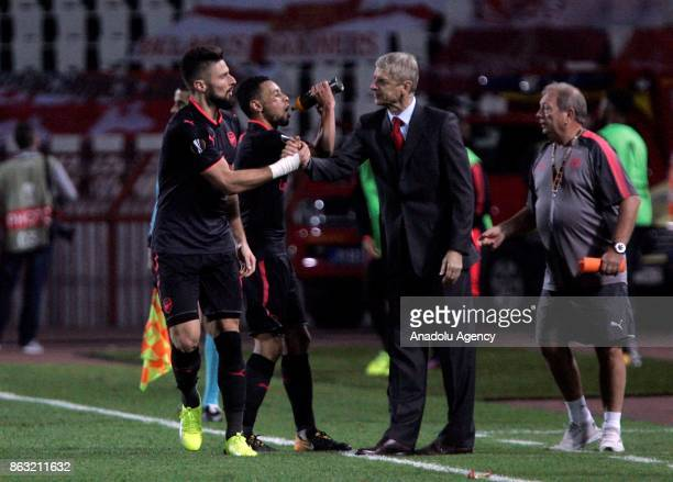 Arsene Wenger head coach of Arsenal gives tactics during the UEFA Europa League group H match between Crvena Zvezda and Arsenal FC at Rajko Mitic...
