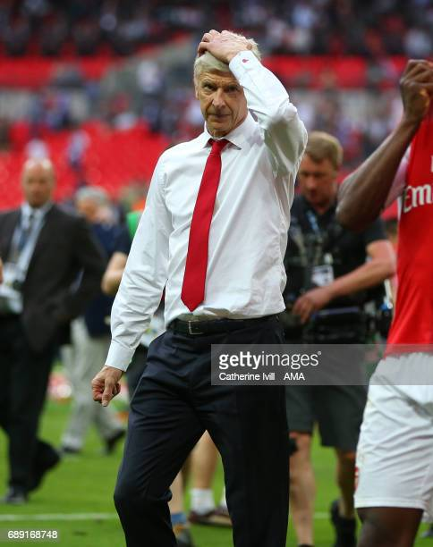 Arsene Wenger manager / head coach of Arsenal with his hand on his head during the Emirates FA Cup Final match between Arsenal and Chelsea at Wembley...