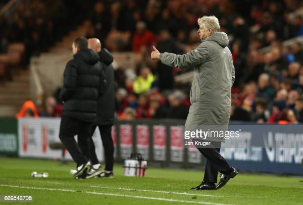 Arsene Wenger manager of Arsenal gives a thumbs up during the Premier League match between Middlesbrough and Arsenal at Riverside Stadium on April 17...