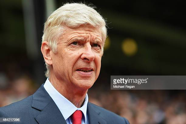 Arsene Wenger manager of Arsenal looks on during the Barclays Premier League match between Crystal Palace and Arsenal at Selhurst Park on August 16...