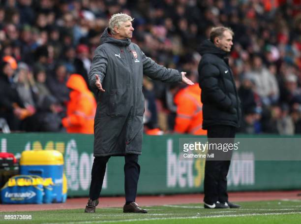 Arsene Wenger Manager of Arsenal reacts during the Premier League match between Southampton and Arsenal at St Mary's Stadium on December 9 2017 in...