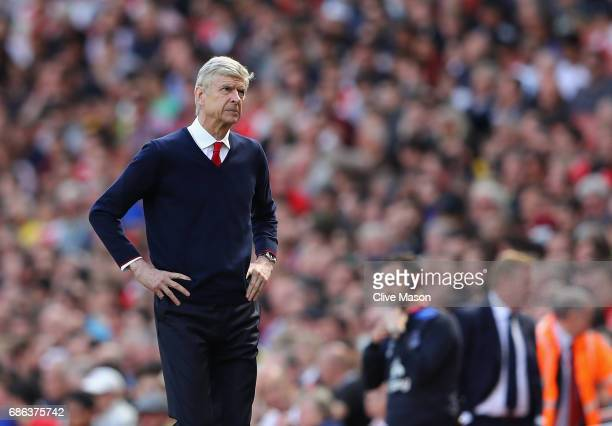 Arsene Wenger of Arsenal looks on during the Premier League match between Arsenal and Everton at Emirates Stadium on May 21 2017 in London England