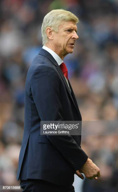 Arsene Wenger of Arsenal looks on during the Premier League match between Manchester City and Arsenal at Etihad Stadium on November 5 2017 in...